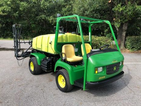 2013_John_Deere_Progator_2020_Used_300_Gallon_Turf_Sprayer_Statewide_Turf_Equipment_650T-028-1